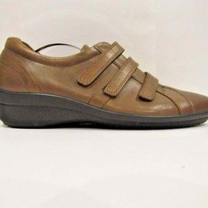 ECCO Sz 9.5 Brown 3 Straps Loafer Shoes For Women